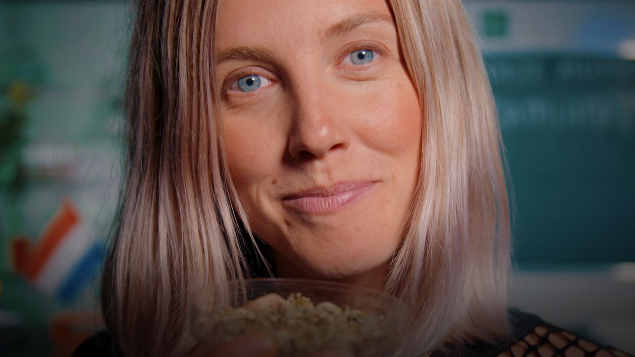Afbeelding van Nellie gaat lekker op porno door Damiana | Drugslab